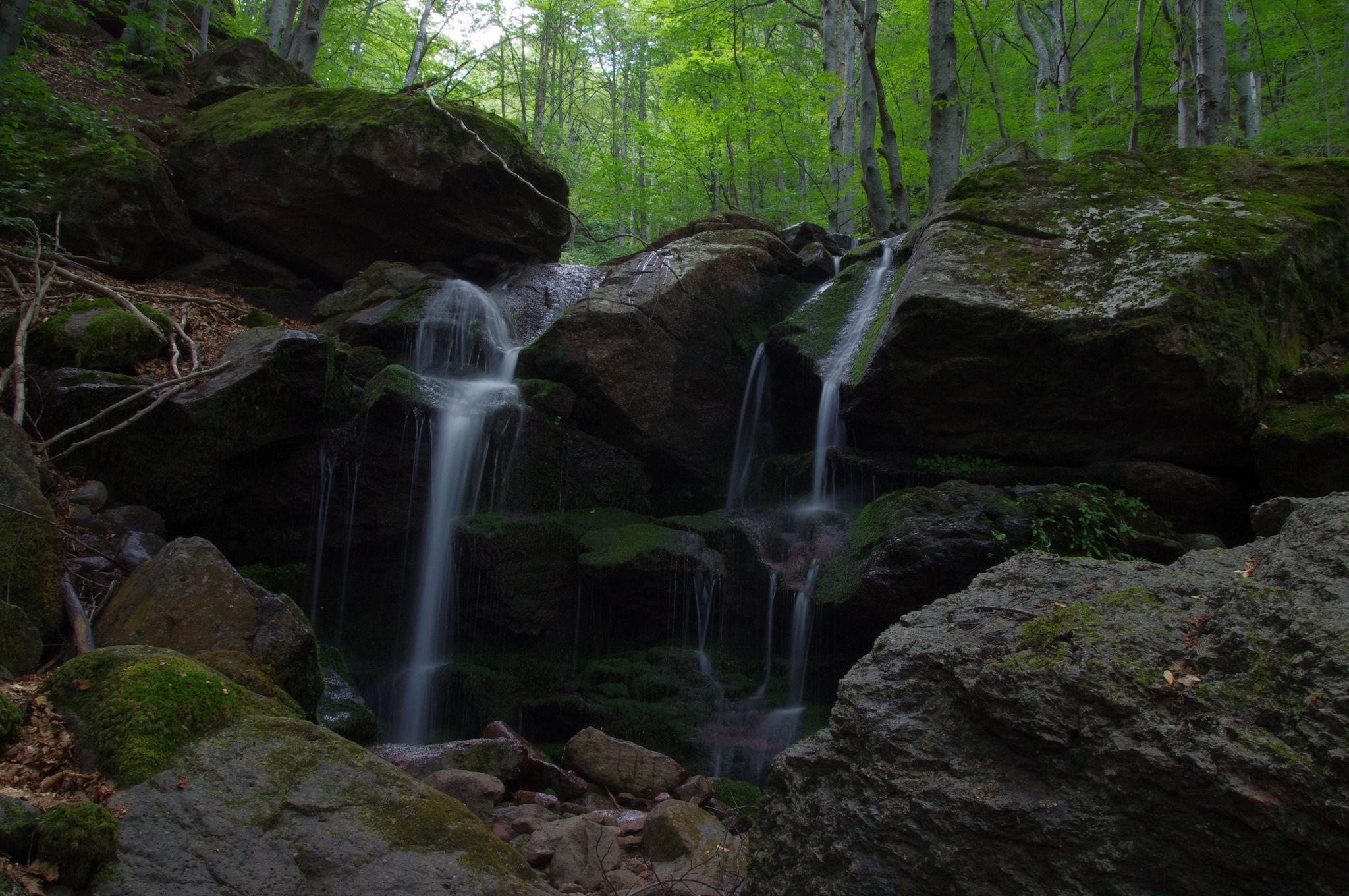 Durshin Waterfall