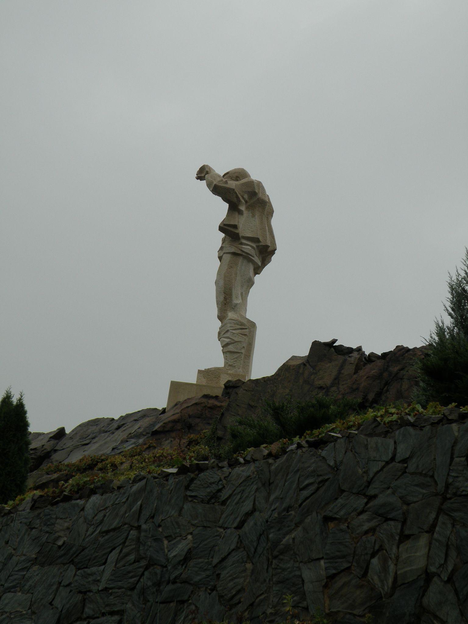 Monument grandpa Yotso